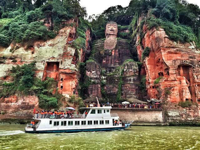 Buda de Leshan a desde el barco (Sichuan, China)