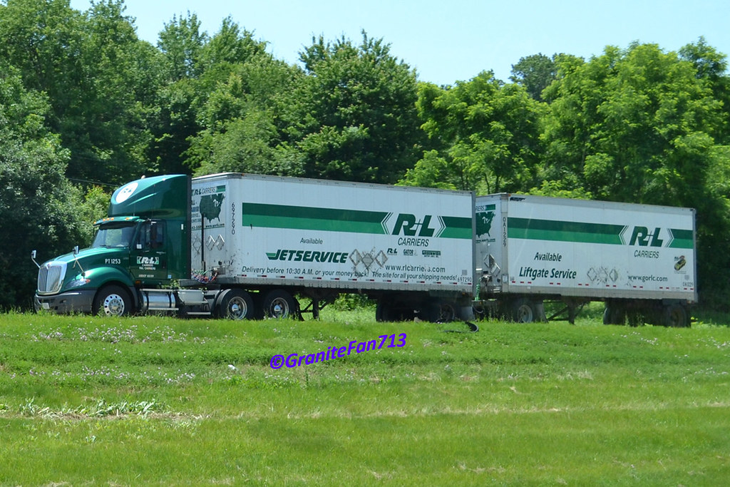 R L Carriers International Prostar With Doubles Trucks
