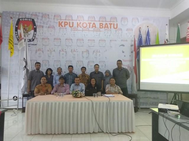 KPU Tulungagung saat kunjungan kerja ke KPU Kota Batu(7/11)