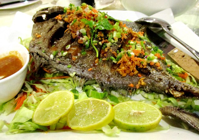 Flavours Thai Kitchen fried crispy garlic fish