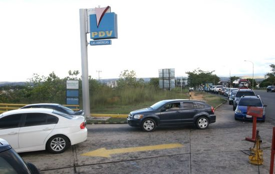 El día a día en Ciudad Guayana: cortes de agua, semáforos inservibles, apagones, fallas del servicio de internet y ahora la GASOLINA