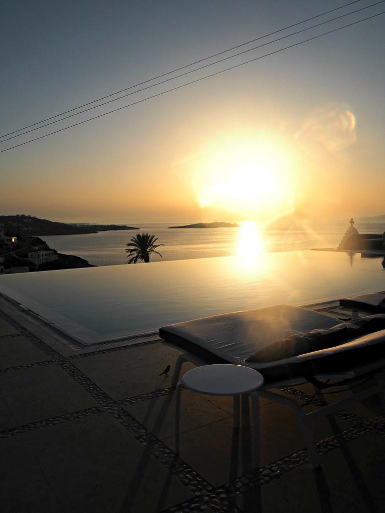 Bill & Coo suites mykonos sunset cocktails 1