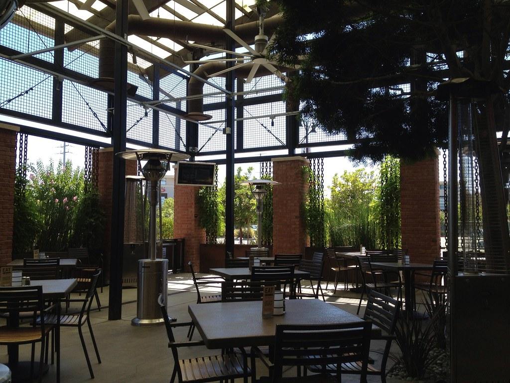 Yard House Restaurant Virginia Beach