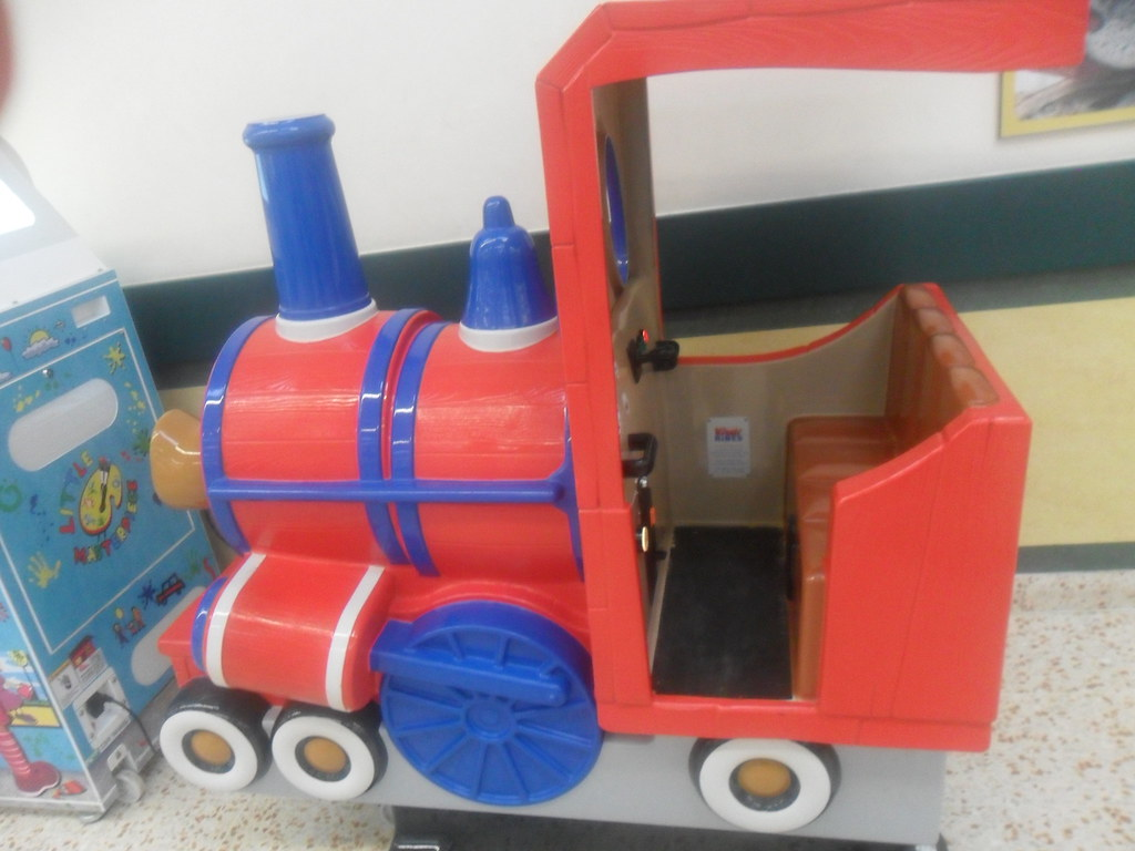 Magic Roundabout Train