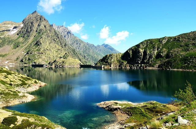 Lago delle rovine entracque diga del chiotas rifugio for Lago store genova