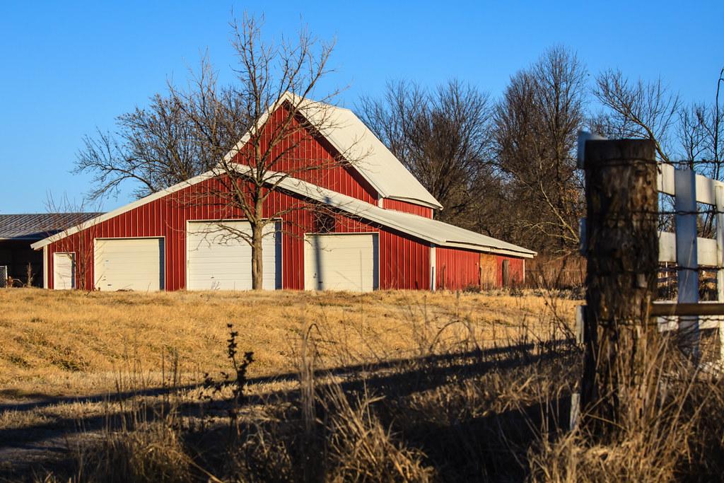 Red metal barn gordon huggins flickr for Red metal barn