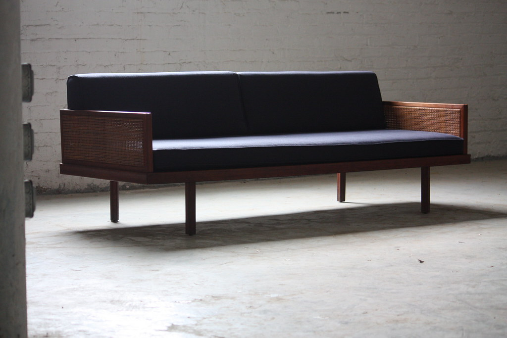 Wicked mid century modern daybed day bed sofa u s a 1960 for Mid century modern day bed