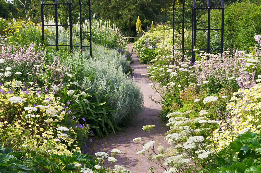 English herbaceous borders rhs wisley gardens uk 4 o for Modele de jardin anglais