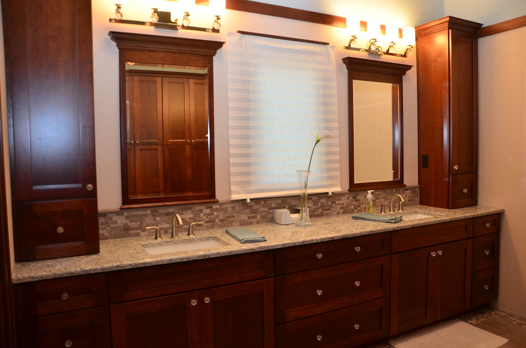 Cherry Cabinets In Kitchen With What Color Paint