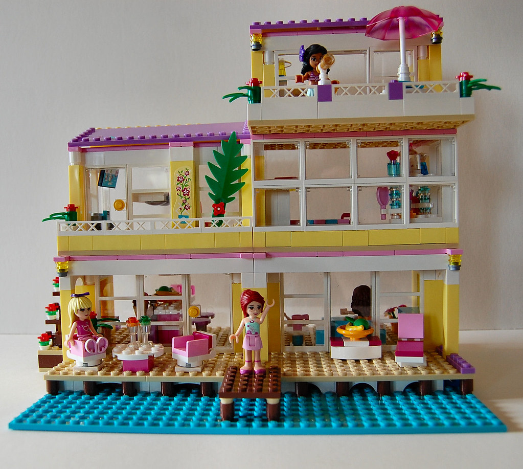 Dsc 6743 Lego Friends Beach House Expanded Suzi More