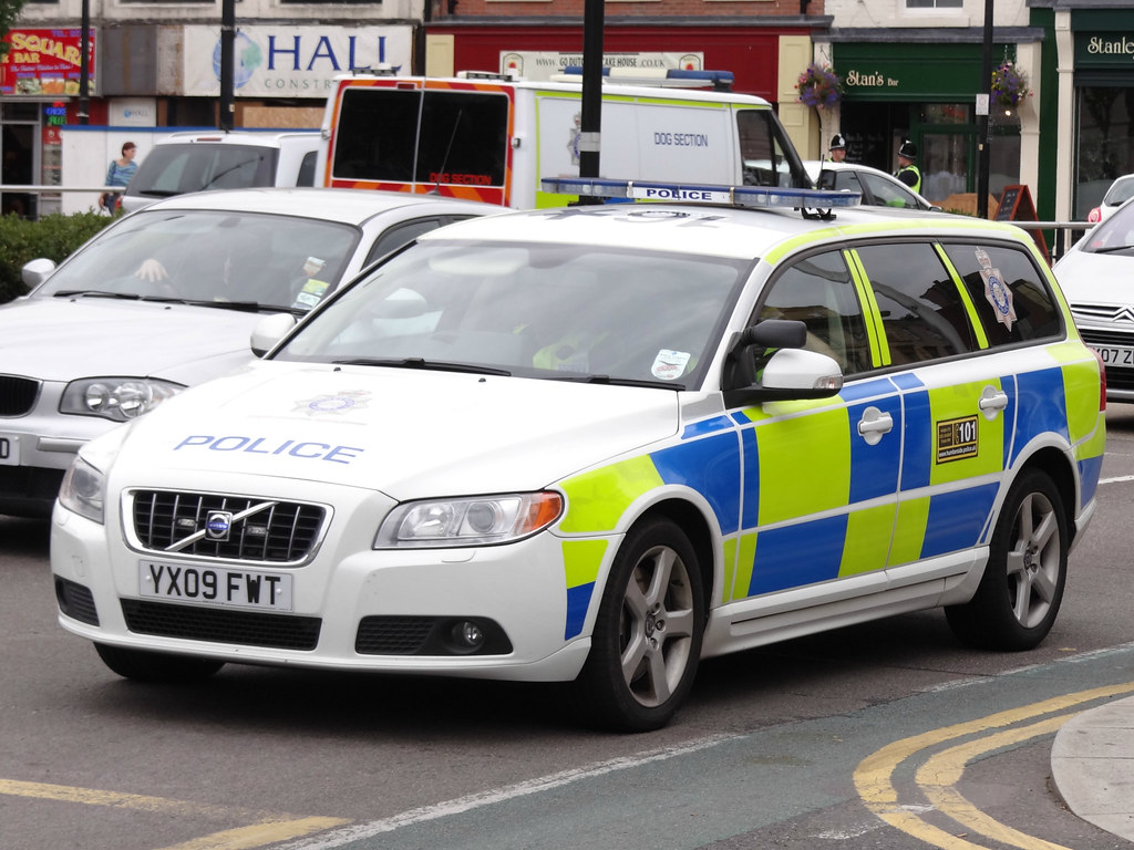 Humberside Police Volvo V70 T6 Driver Training Armed Respo