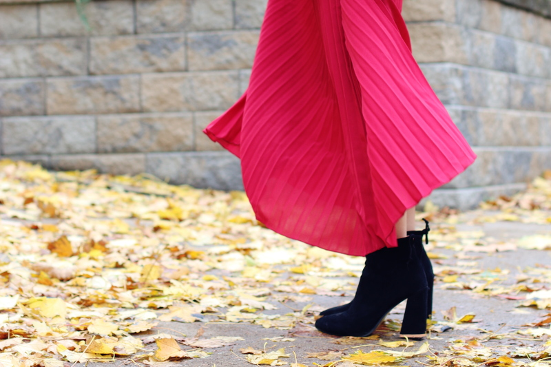 red-pleated-skirt-suede-boots-8