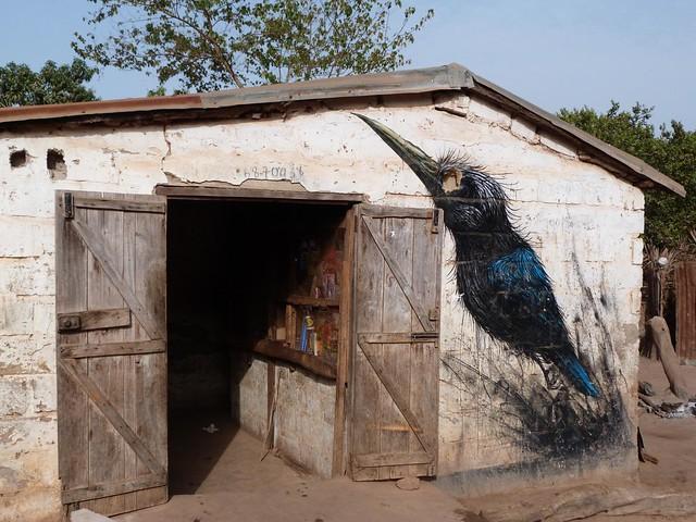 Granero de una de las aldeas pintadas de Gambia