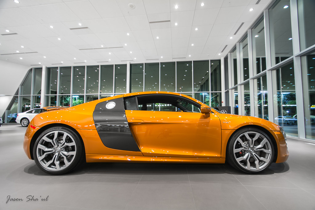 R8 V10 A Brand New 2014 Audi R8 V10 In Samoa Orange