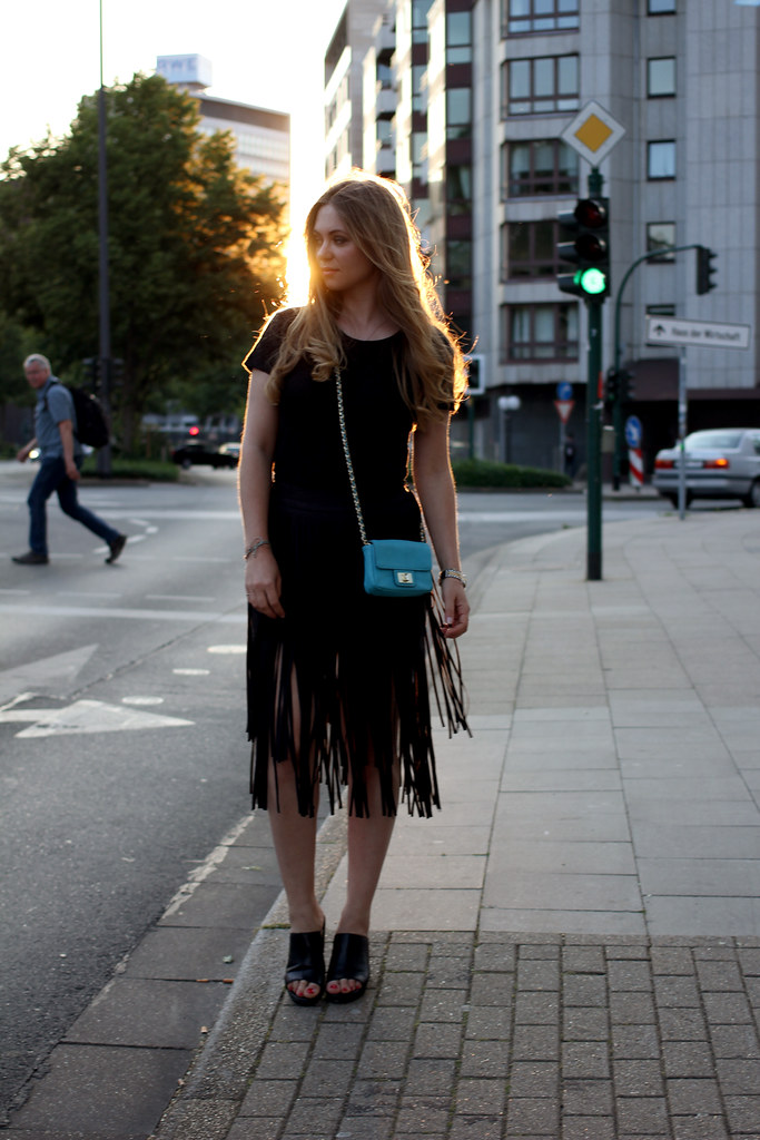 zara fringed skirt