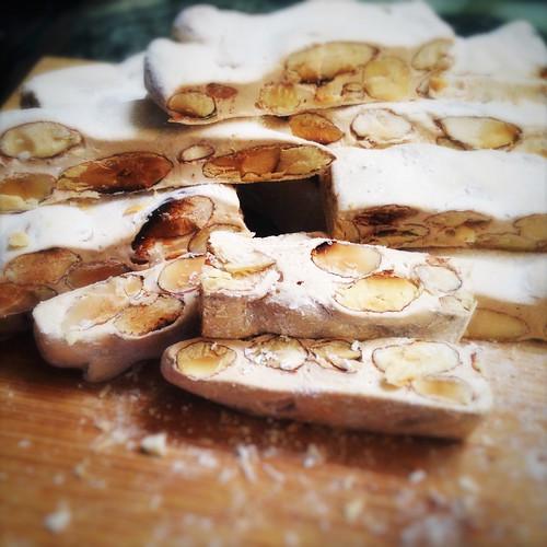 Almond, Nougat, Candy, soft, torrone, recipe, holiday, christmas, treat, 杏仁, 牛軋糖