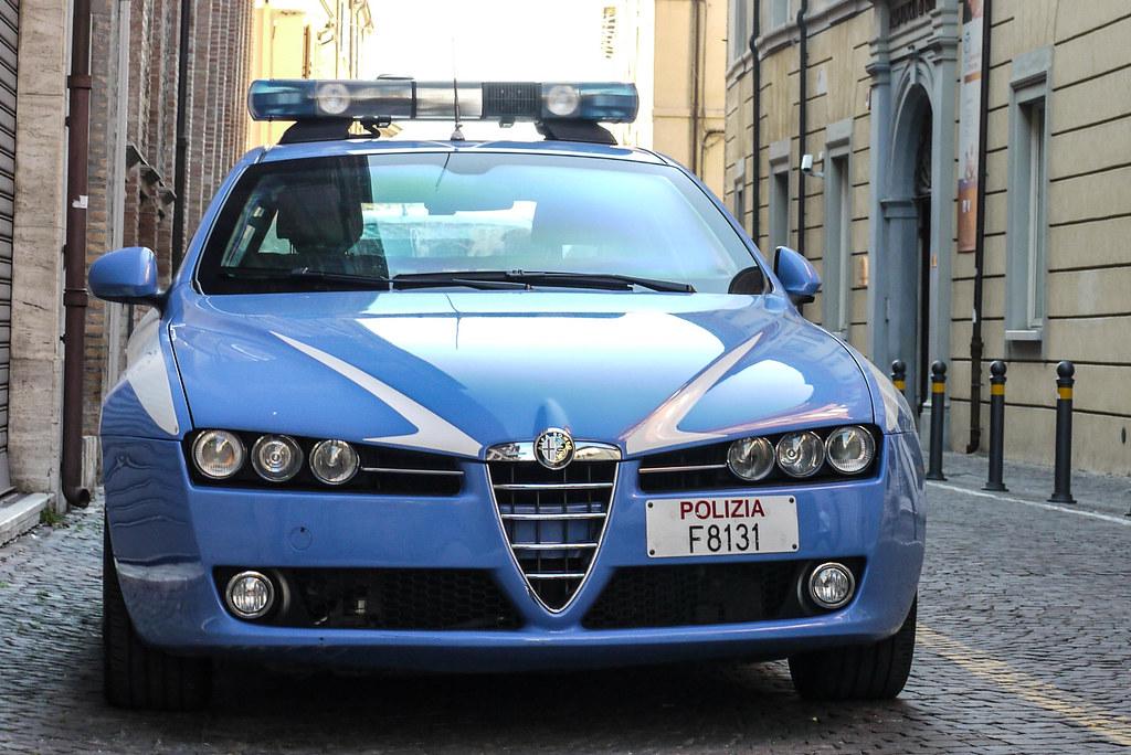 Alfa Romeo 159 Polizia Na De Lamborghini Gallardo S In