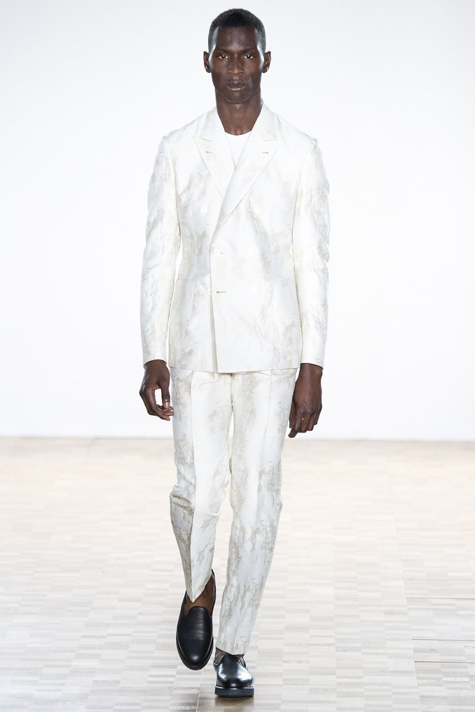 SS16 London Hardy Amies033_Adonis Bosso(VOGUE)