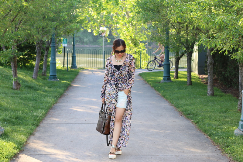 Floral-Dress-shorts-summer-outfit-1