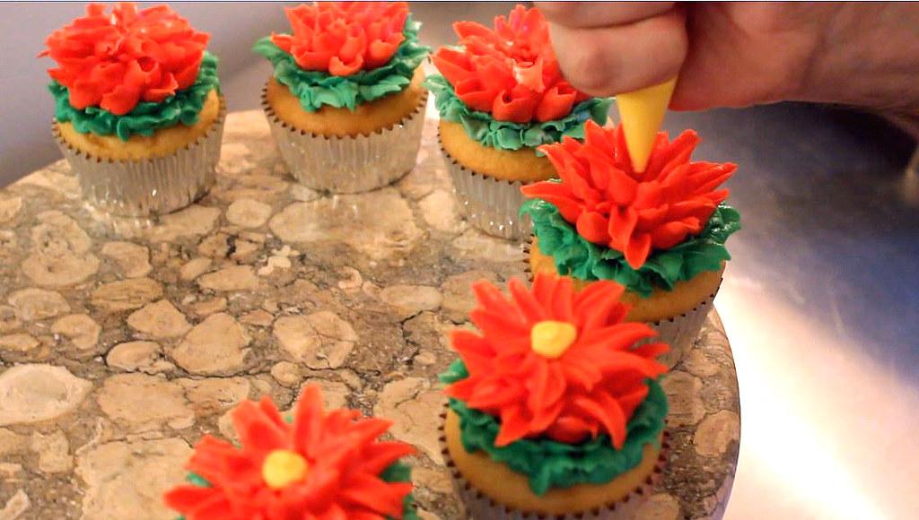 Red Lotus Cake Design : How to Make Lotus Flower Cupcakes! Cake Decorating Tutoria ...
