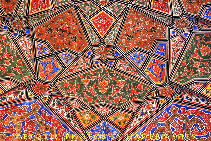 mughal architecture motifs