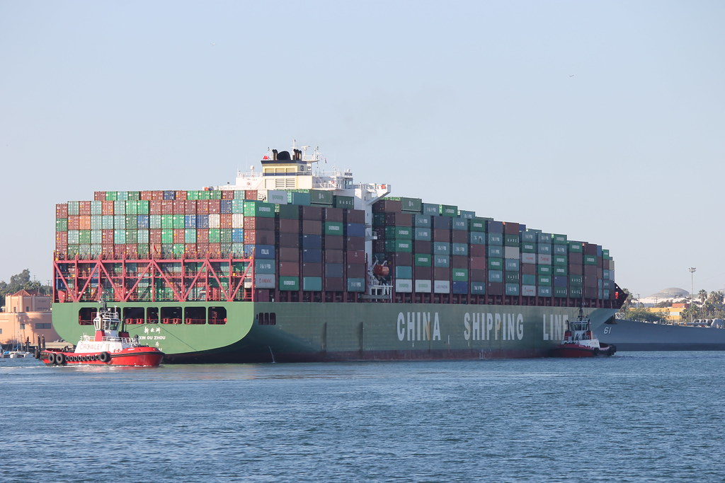 Xin Ou Zhou China Shipping Line Container Ship At The Po Flickr