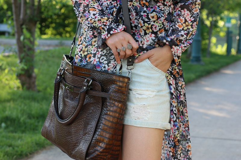 Floral-Dress-shorts-summer-outfit-5