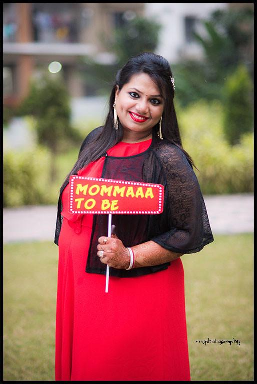 maternity shoot for amit agarwal