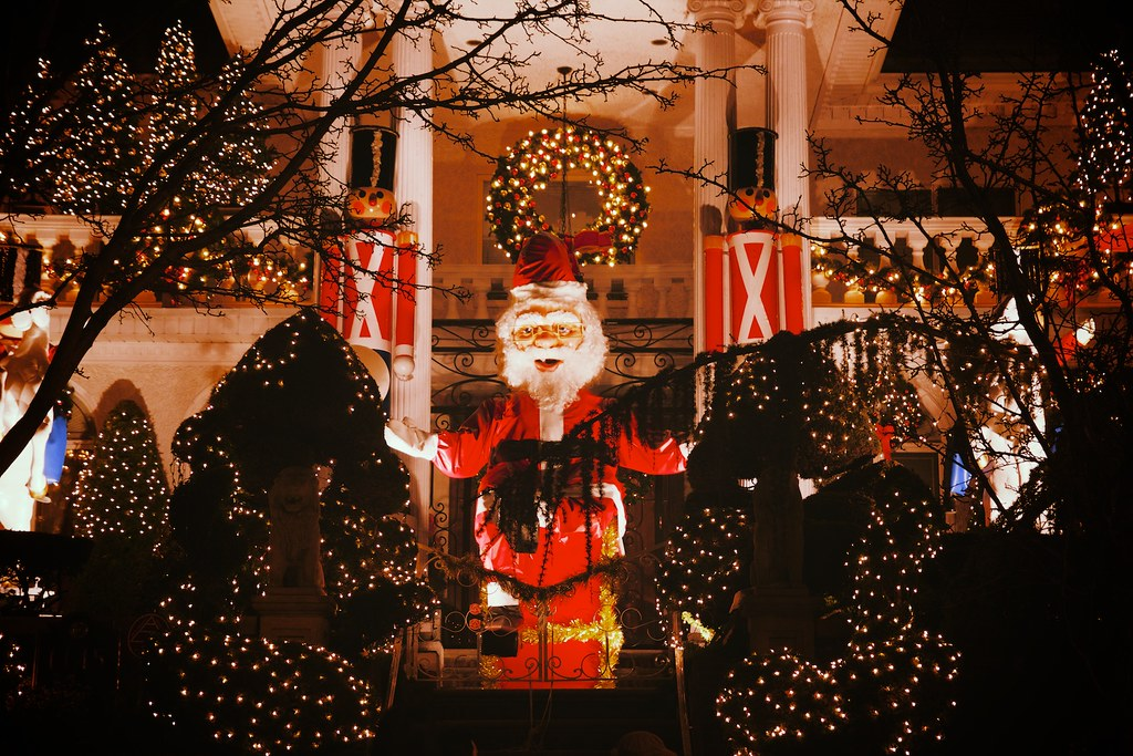 Dyker Heights, Brooklyn, holiday, christmas, winter