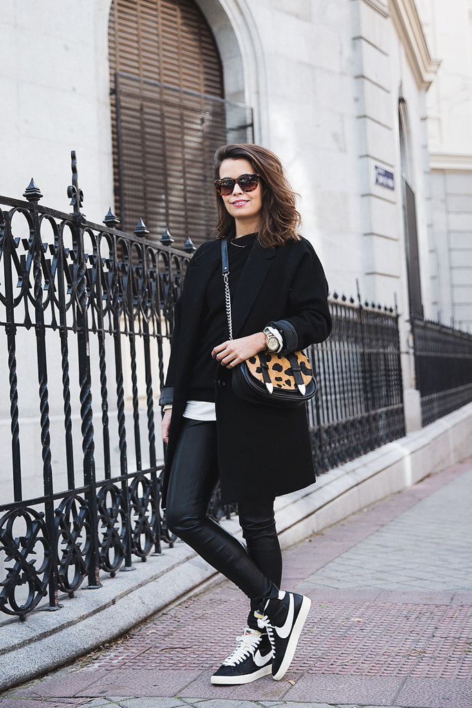 wonderful black sneakers outfit
