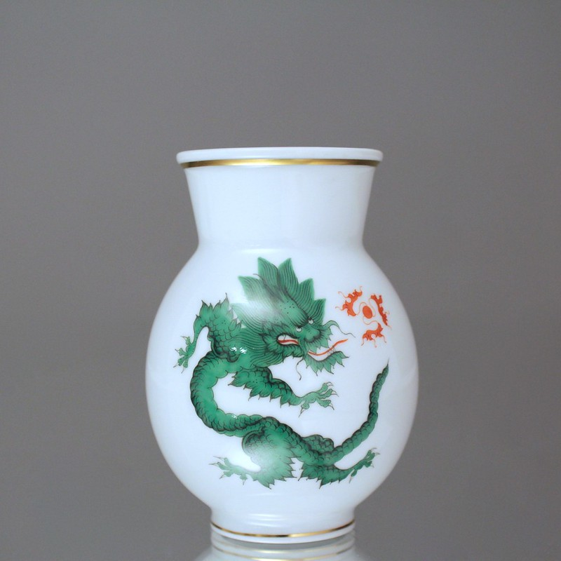 meissen vase mit mingdrache in gr n drachen goldrand koralle drache ebay. Black Bedroom Furniture Sets. Home Design Ideas