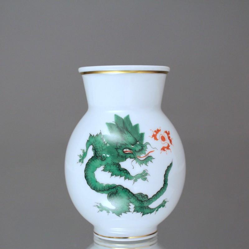 meissen vase mit mingdrache in gr n drachen goldrand koralle drache ebay. Black Bedroom Furniture Sets. Home Design Ideas