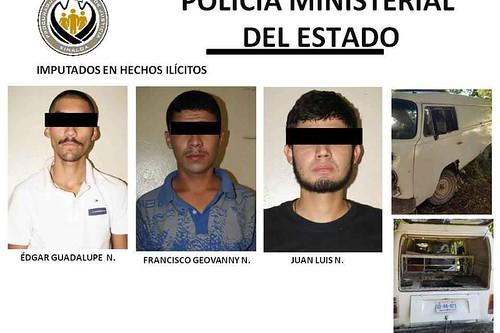Arrestan a tres por robo de vehículo y mercancia