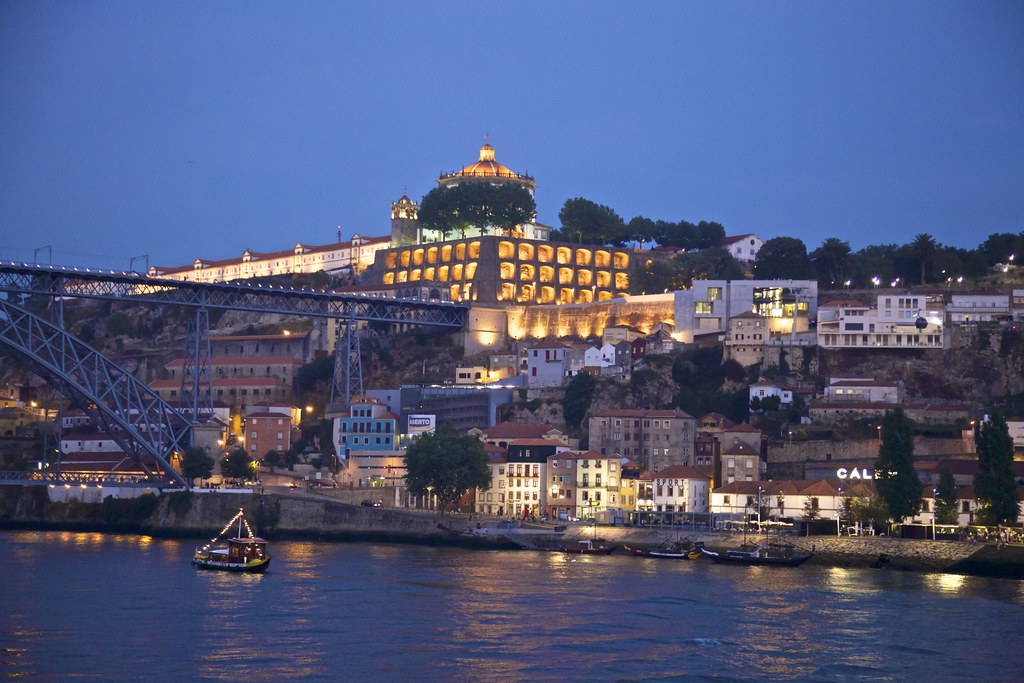 vila nova de gaia black singles Best deals for hotel black tulip - porto gaia in vila nova de gaia book your hotel room and don't miss out on today's discounts.