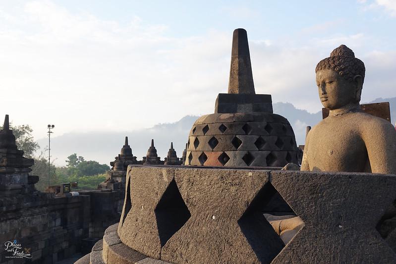 jogja borobodur buddha