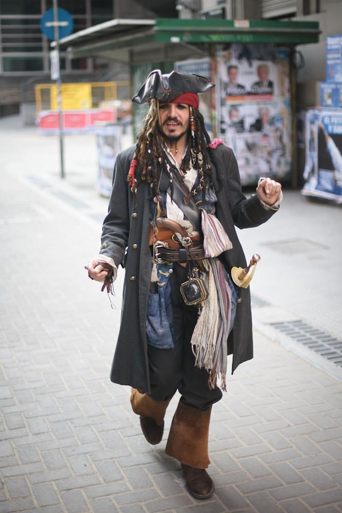 Johnny Deep visitó un hospital infantil como Jack Sparrow