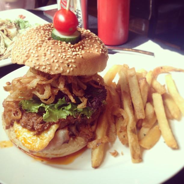 best burger in shanghai yummy zoe wang flickr