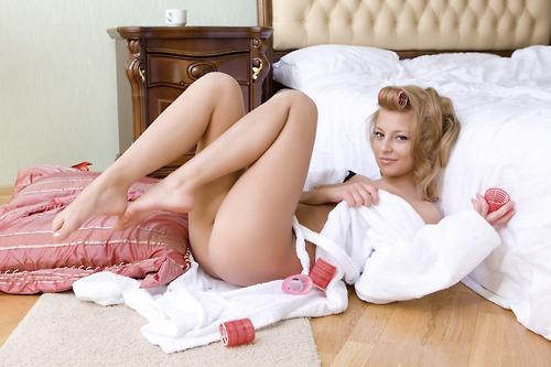 Порно фото девушек в пеньюарах