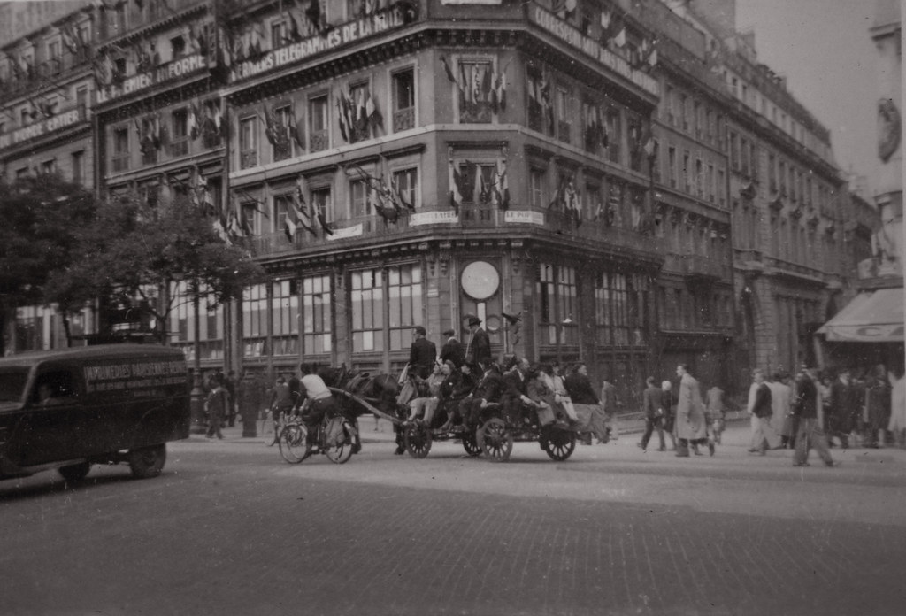 1940s World War Ii Snapshot Photo Of A Horse Drawn Cart Lo