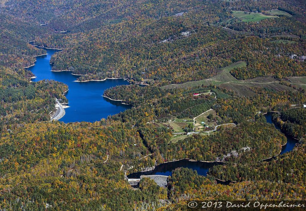 Wolf creek lake and tanasee creek lake in nantahala nation for Cabina lago north carolina