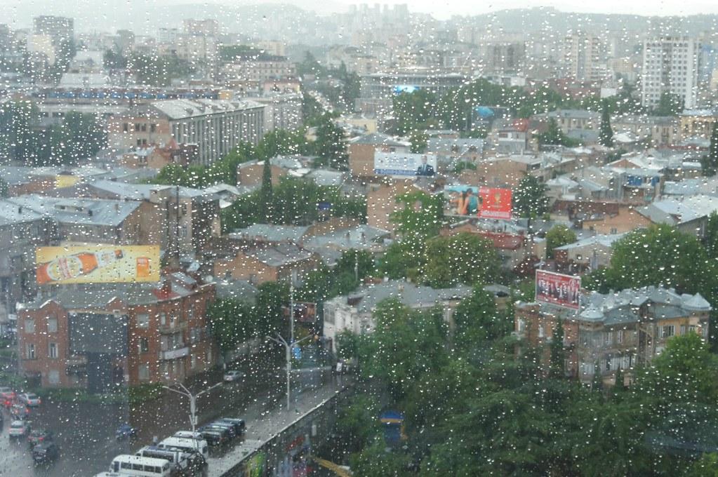 ورود-توده-هوای-بارانی-و-مه-آلود
