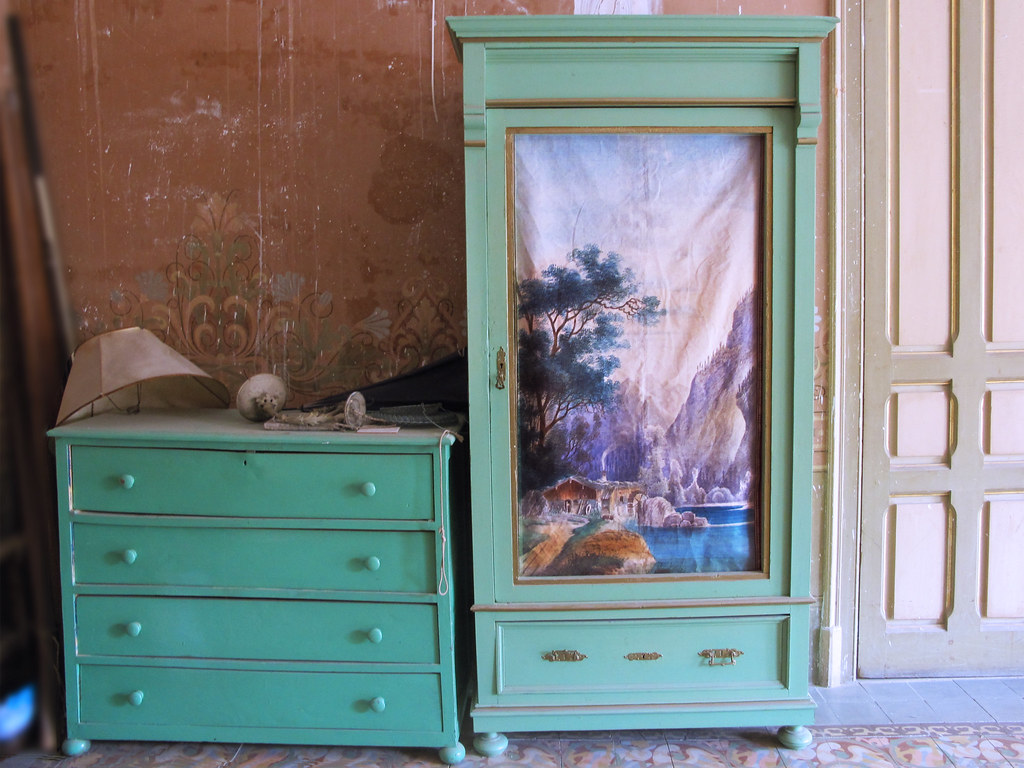Un robado al armario vintage pero en donde calan - Armarios vintage barcelona ...