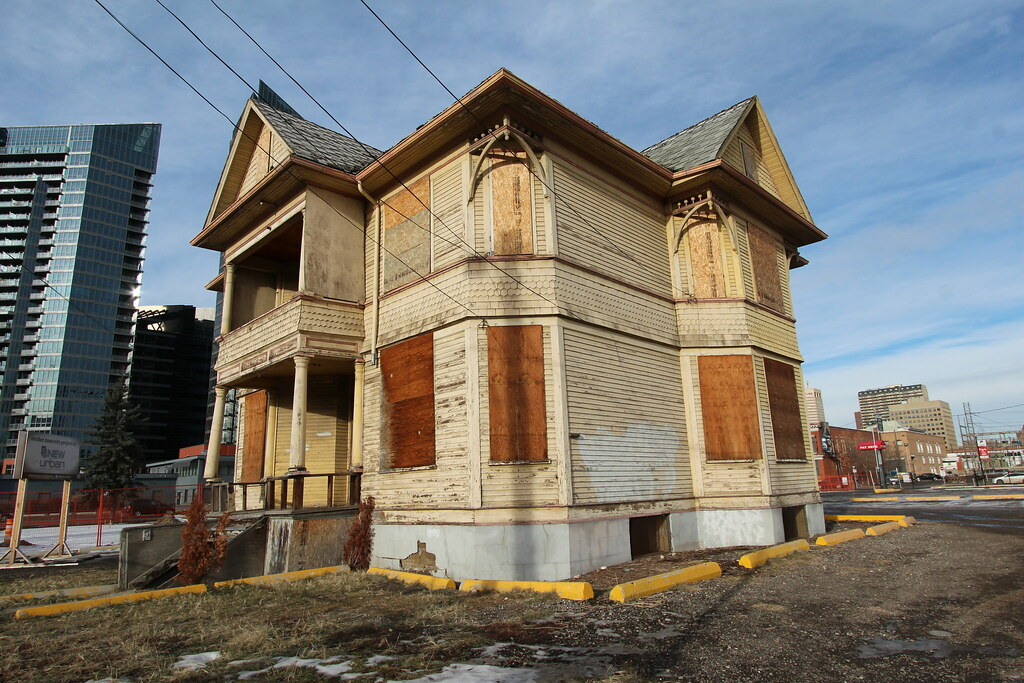 Calgary Abandoned House 12 Ave Se And Macleod Trail Enoc
