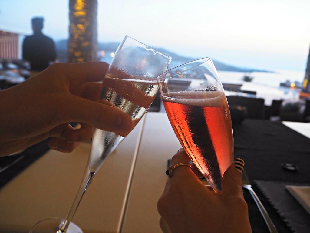 Bill & Coo suites mykonos sunset cocktails 10