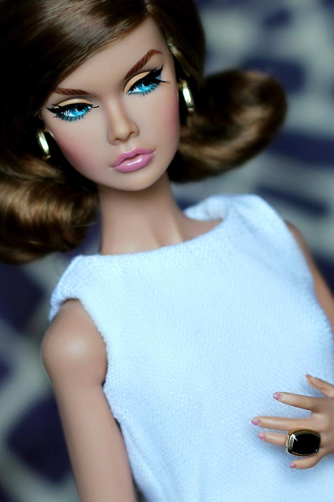 Poppy parker model living pigletta flickr for Living models