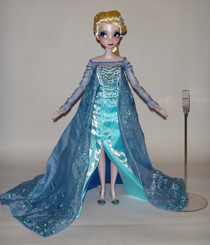 Elsa Deboxed Harrods Limited Edition Anna And Elsa Doll
