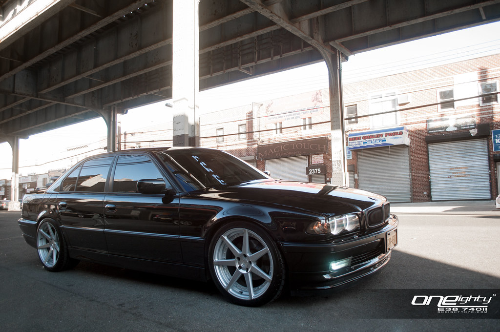 2001 BMW E38 740iL With Vertini Dynasty Wheels