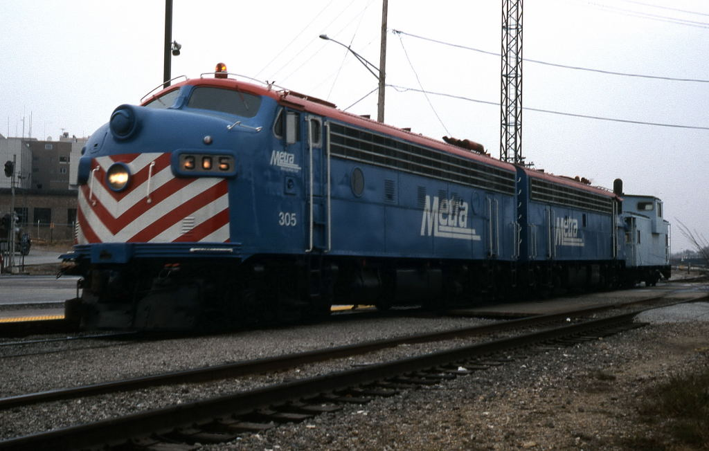 Metra F7 Caboose Hop The Pair Of Metra F7s Lead A