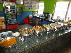 Buffet im Restaurant an der Strasse nach Kathmandu