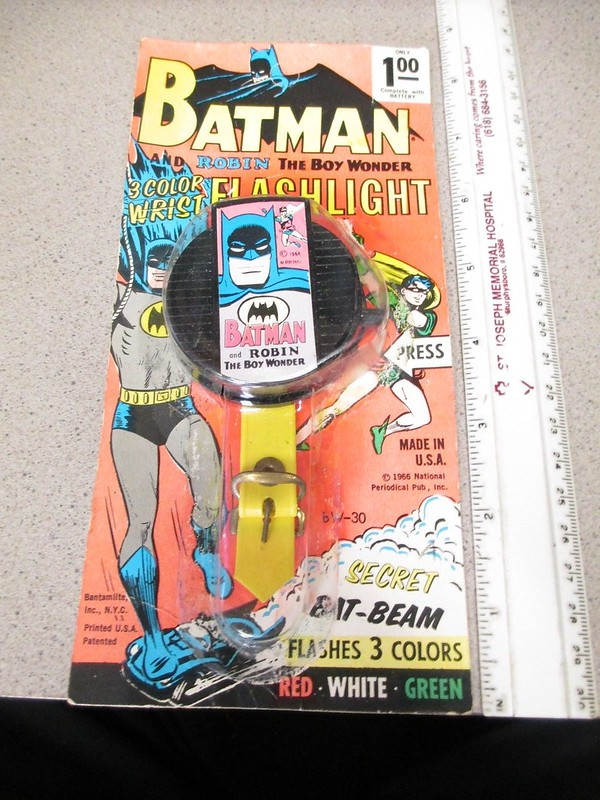 batman_wristflashlight